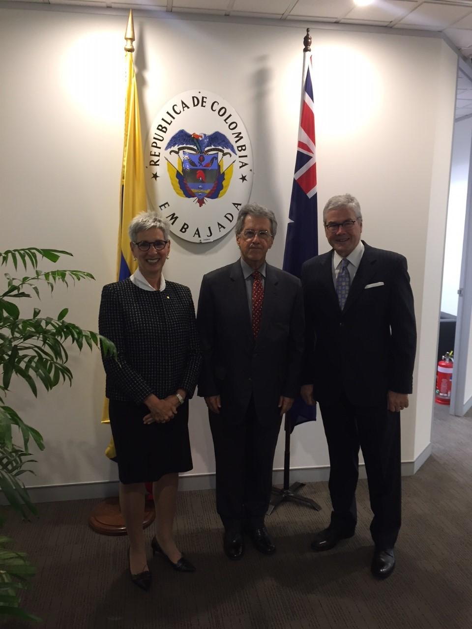 Embajador de Colombia en Australia, Jaime Bueno Miranda, atendió la visita de cortesía de la Gobernadora del Estado de Victoria, Hon. Linda Dessau AC.